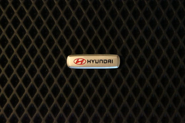 Шильдик металлический Hyundai