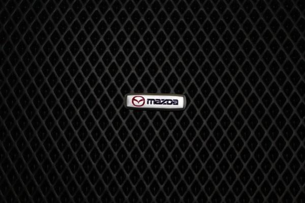 Шильдик металлический Mazda