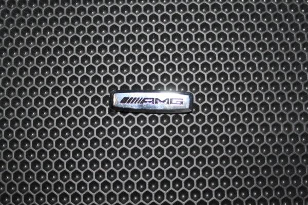 Шильдик металлический AMG